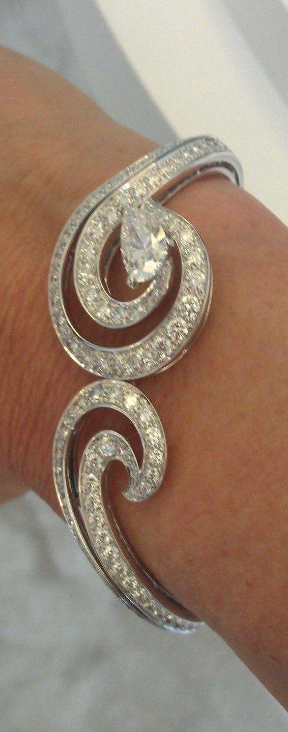 De Beers Crest bracelet ♥✤   Keep Smiling   BeStayBeautiful