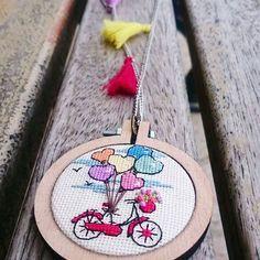 "53 Likes, 9 Comments - Nursel Safran Tığ (@nsafran) on Instagram: ""#kolye #crossstitchnecklace #necklace #kanavice #handmade #handmadenecklace #etaminkolye #guzeloldu…"""