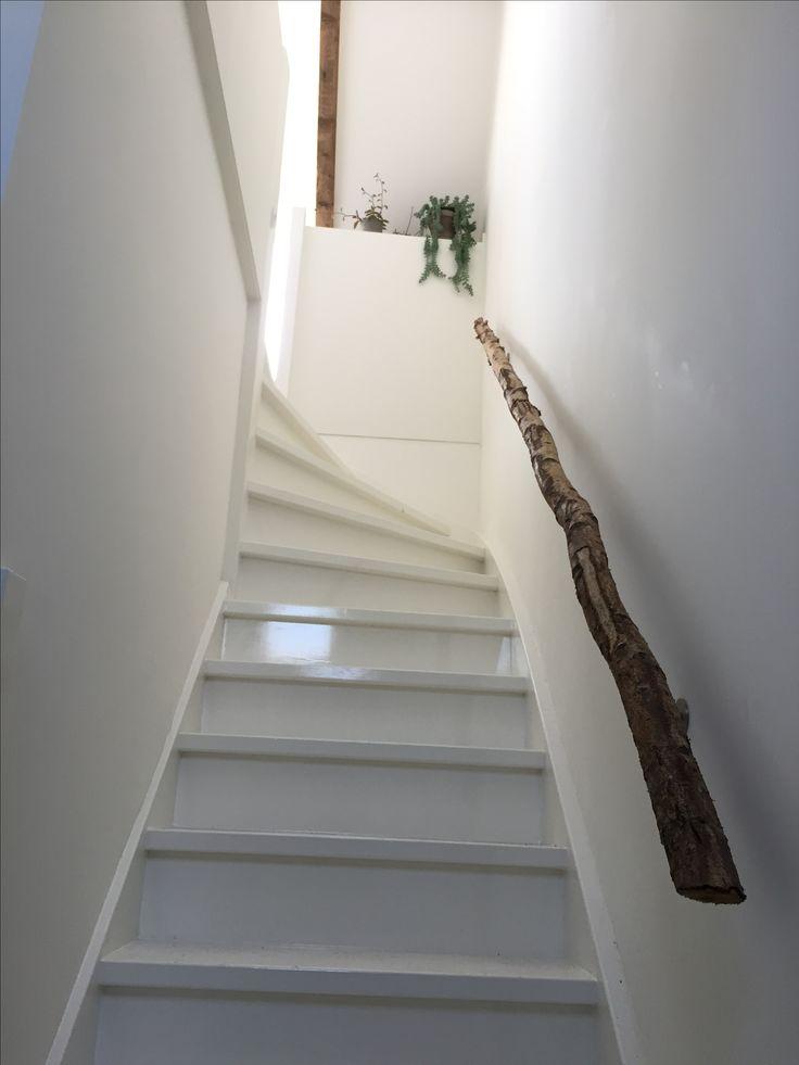 25 beste idee n over witte trap op pinterest trappen trap makeover en trappenhuis schilderen - Schilderij kooi d trap ...