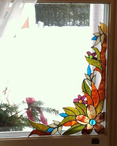 Les 25 meilleures id es concernant tiffany vitrail sur for Fenetre en vitrail