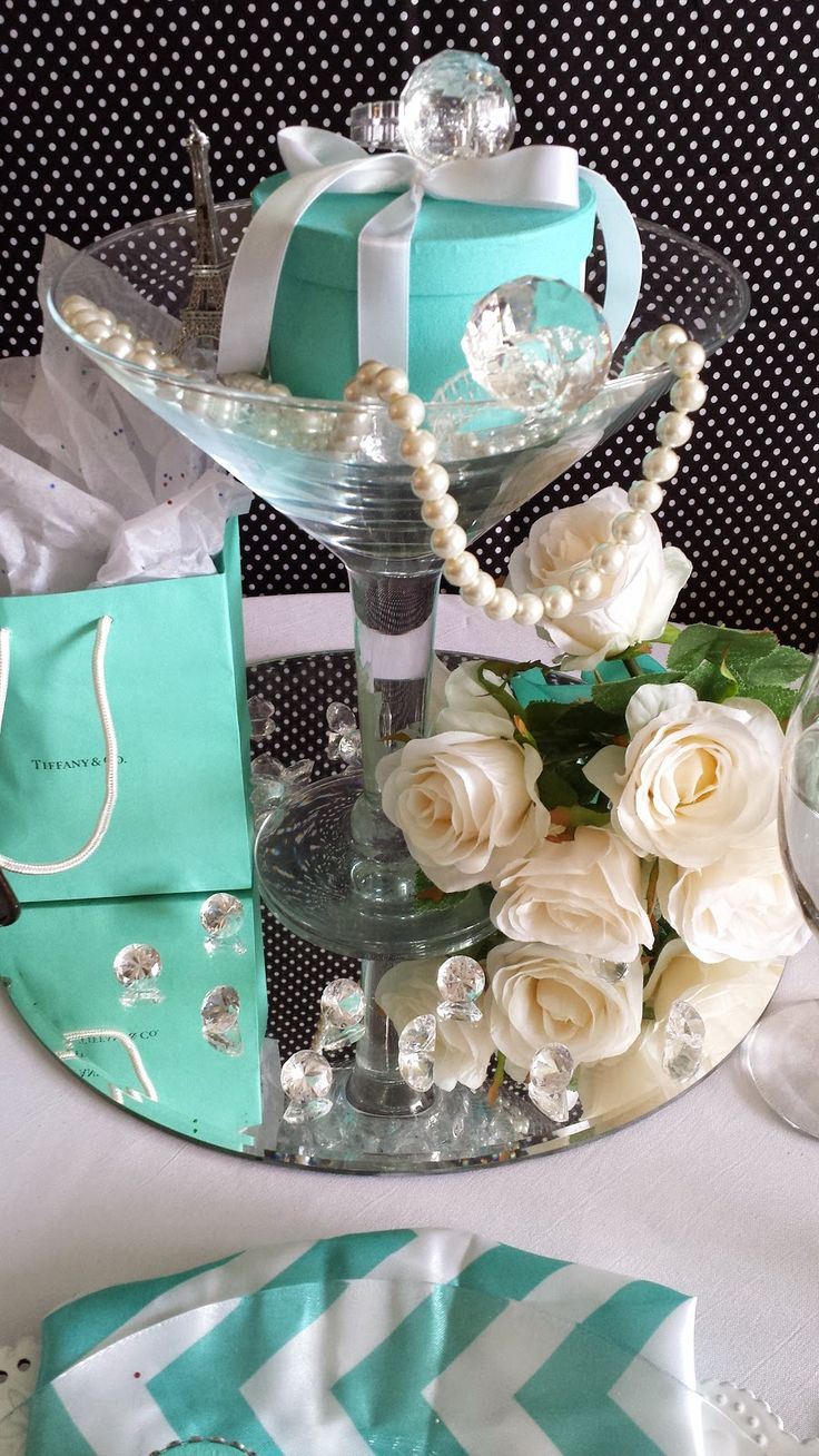 breakfast at tiffany blue centerpiece with roses
