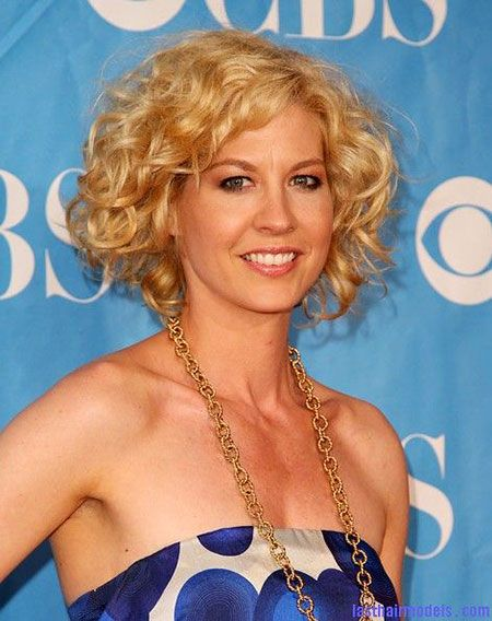 15- Short Curly Hairstyles
