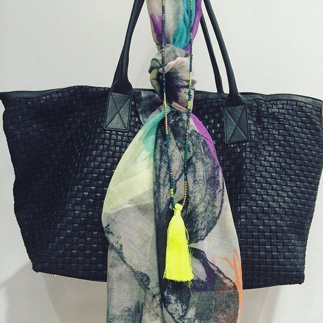 Brighten up your Monday Morning with a new 100% Italian leather shopping $229  Neon tassel French Necklace $50  & a Print scarf $65  #marshmellowboutique #mondaymorning #fashion #brightenyourday #shopper #scarf - shop the look in store or on line www.marshmellow.com.au