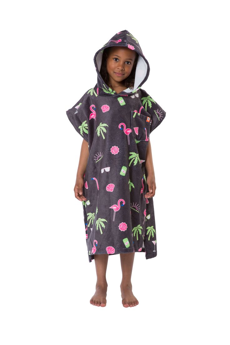 Bye bye Shivers, Goose bumps and blue lips! With either Gus Gus or pink flamingos, the PONCHO KIDS is ideal for warming up kids and giving them the freedom to run around whilst sheltered from the wind.  #kids #poncho #travel #diy #surf