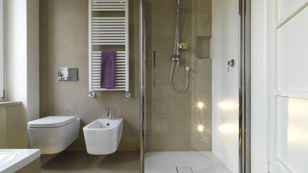 Ecco alcune semplici indicazioni per mantenere sempre in perfetto ordine, pulito e libero dal calcare il box doccia.