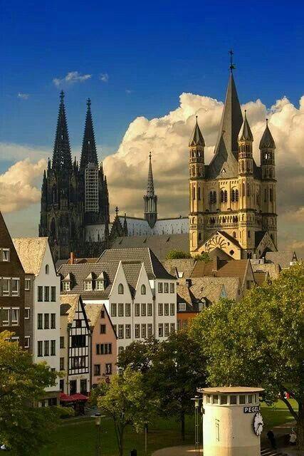 Blick auf #Köln im Frühling, im Hintergrund der Kölner Dom