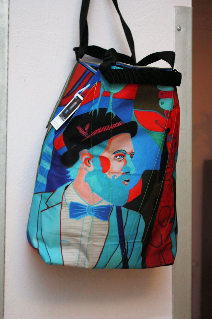 MIMA Bag's Maciej Muszyński z Art by Marcin Painta. 19 marca 2015 r. w Kartonovni – Centrum Sztuki w Warszawie odbył się wernisaż wystawy Marcina Painty pt. Postrzeganie. Ekspozycja została zorganizowana tytułem GRAND PRIX Konkursu MUZA 2014. http://artimperium.pl/wiadomosci/pokaz/526,marcin-painta-postrzeganie-czyli-kolejny-sukces-artysty#.VQ3GXY6G-So