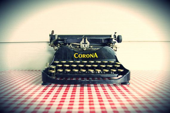 Vintage 1917 Corona No. 3 Folding Typewriter by AbrahamAndMarie. What an exquisite ole' machine! Built around 1917-1919, this beautiful folding typewriter by Corona (pre-Smith-Corona) was one of the most successful machines...EVER! Sadly, not too many exist. (SOLD)