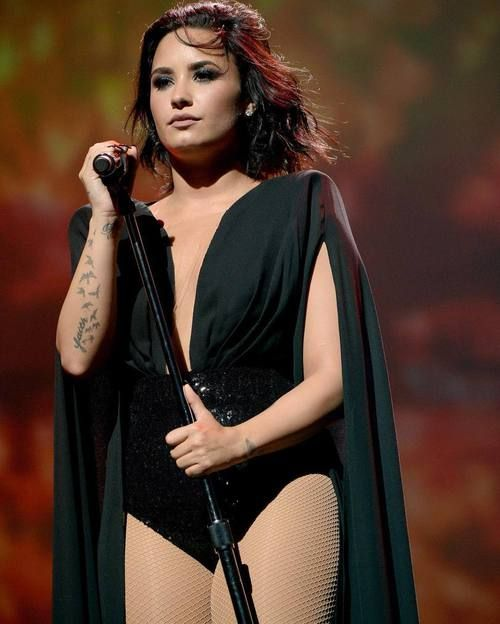Demi lovato, stage, Future now tour