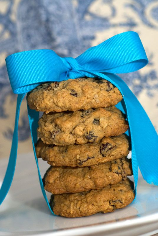 Sugar & Spice by Celeste: Vanishing Oatmeal Raisin Cookies