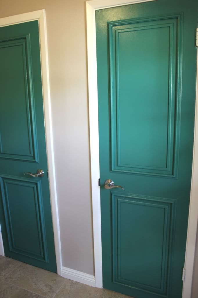 Pretty Pantry | Haus of Gerz DIY: Molding/Trim on flat panel door
