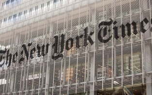 The New York Times made a move to China, opening a Chinese language news website and a Sina Weibo account.