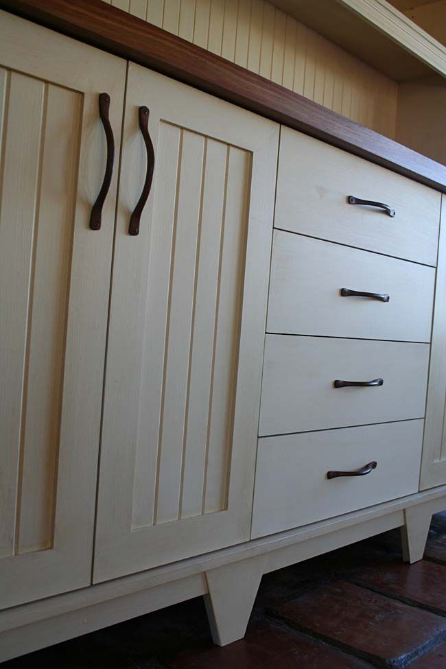 cream shaker cabinets kitchen cabinet layoutpainted - Hand Painted Kitchen Cabinets