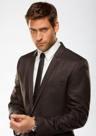 """Oliver Jackson-Cohen, you are incredibly good-looking...and if a """"50 Shades of Grey"""" movie has to happen (oy vey), you're my pick for Christian."""