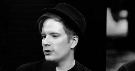 Love Fall Out Boy — longlivekingpatrick: I love to watch him bc he...