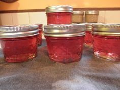 How to Make Raspberry Wine Jelly - Canning Recipe