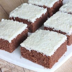 Bountykärleksmums - En obeskrivbar, galet god kaka! Den här måste ni alla baka –ren KÄRLEK!