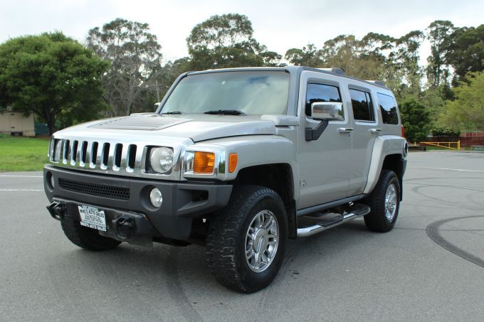 M-11 2007 Hummer H3 Price: $10,995.00 Year Model: 2007 Mileage: 116309 Make: Hummer Transmission: Automatic Model: H3 Engine: 5-Cyl, 3.7L Exterior Color: Gray Interior Color: Black VIN Number: 5GTDN13E178167410 Description : This a very spacious vehicle, great for family outings or anyone that likes to go in the great outdoors. Its all muscle and guaranteed not to leave you stranded anywhere! Features : Off-Road Suspension, Traction Control, StabiliTrak, ABS (4-Wheel