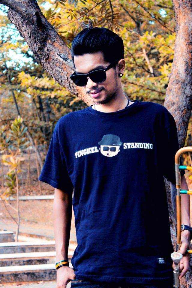 PS_002 | PINGKEL BOY NAVY BLUE tees | IDR 110K | size S - XL | order text / WA : 081573658757 / PIN : 7DD3F2B3  #joyspg #joyspringindonesia #authenticoriginal #pingkelstanding #merchandise #clothing #apparel #localbrand #bandindie #indiesemarang #indiejateng