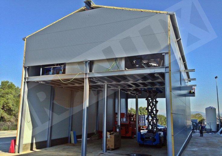 Detalle lavadero camiones con panel tapajuntas 50mm, lucernario de cubierta de 30mm y panel fachada de 80mm