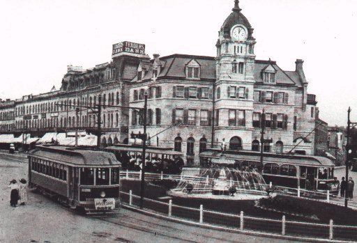Streetcars at St. Georges Square, Guelph, Ontario 1915. Cars could ride all the way to Toronto on a system called the radial railway whose lines radiated out of Toronto like spokes on a wheel.