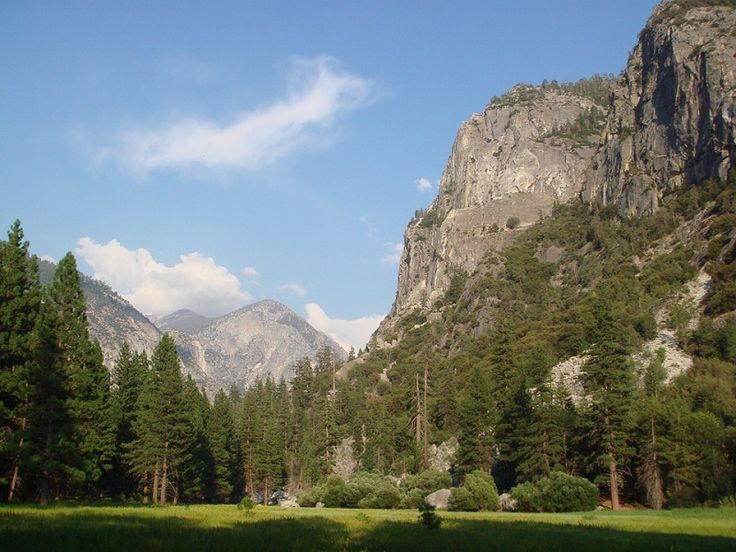 The John Muir Wilderness Trail goes through Kings Canyon National Park