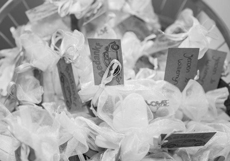 Alle taken van een #ceremoniemeester op een #bruiloft lees je nu op #Trouwgeheimen!