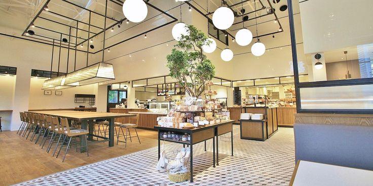 ケーキショップ「Lily cakes」の移転とデリ・キッチンの新設を行い、ひとつの空間にデリ・ベーカリー・ケーキショップが集結する新しい食空間が誕生。