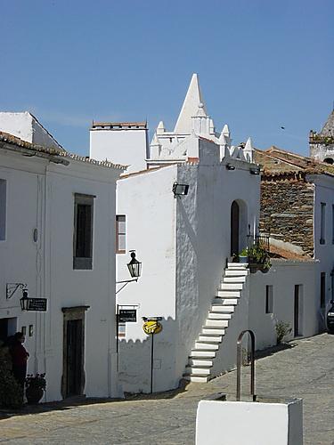 Monsaraz. Alentejo. Geraldo Sem Pavor. Em 2007 Monsaraz foi uma das finalistas na escolha das 7 Maravilhas de Portugal. » Wikipédia.