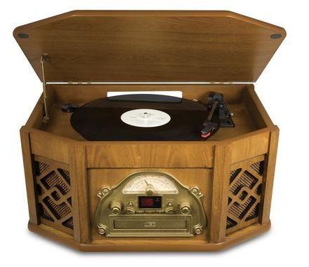 Reprodutor LP, CD, fita cassete e rádio.    Mais informações:  http://qb2.me/CTLn