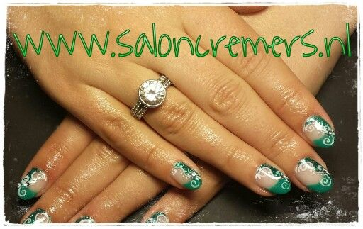 Green nail art nails abstract glitters oval gel
