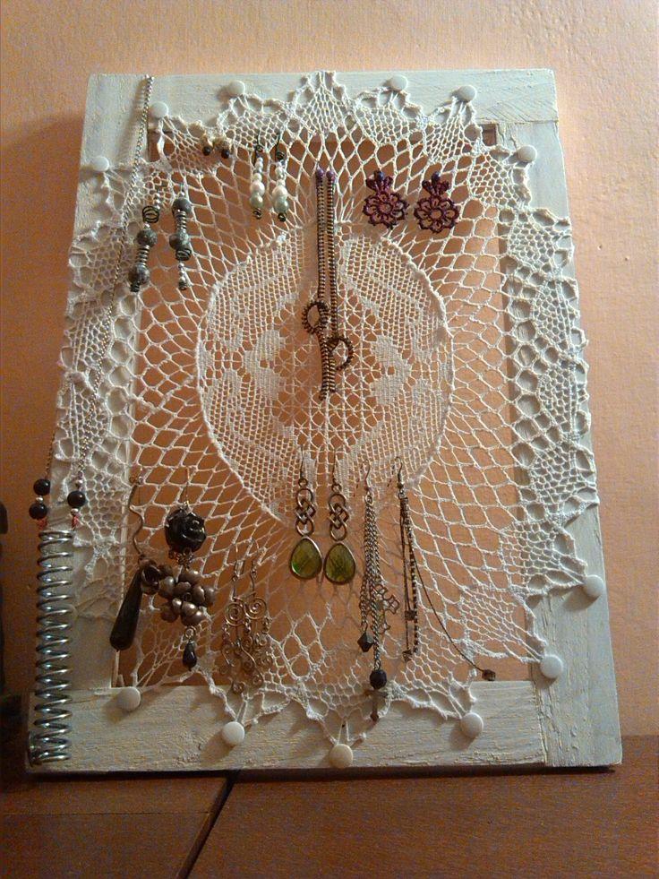 Recupero: centrino e telaio in porta bijoux! Esperimento Riuscito!