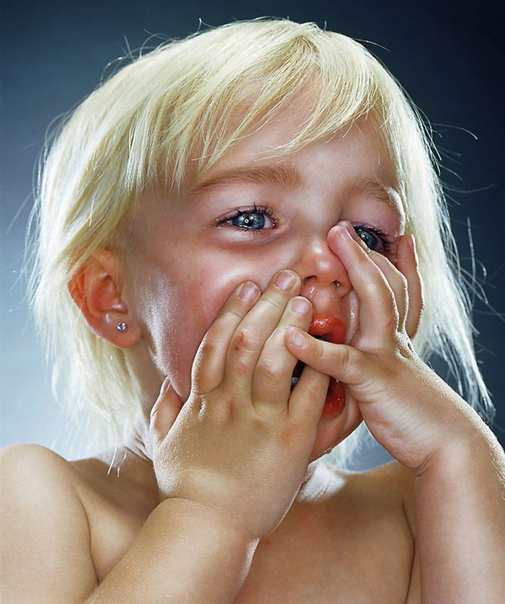 Поздравления, смешная картинка девочка плачет