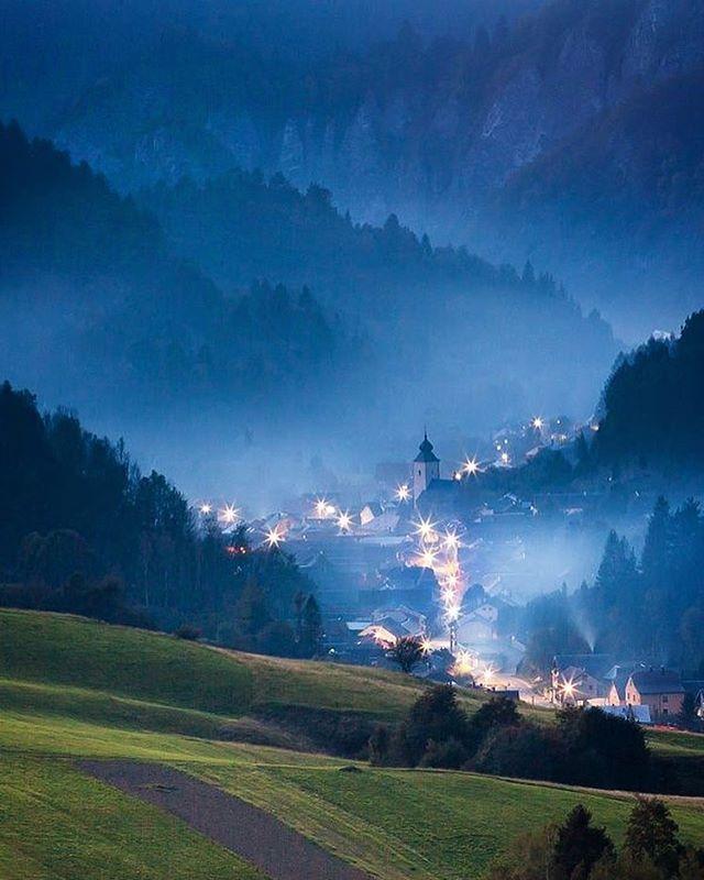 Na Lesnicu v Pieninách padá súmrak Autor fotografie: Marián Béreš #ThisIsSlovakia 🌄🇸🇰
