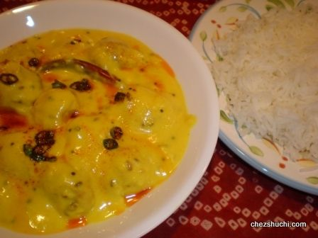 Kadhi Chawal, a delicious Indian lunch combo!