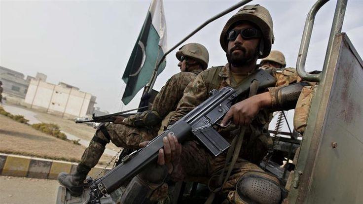 Pakistani Taliban leader Ehsanullah Ehsan 'surrenders' | Pakistan News | Al Jazeera
