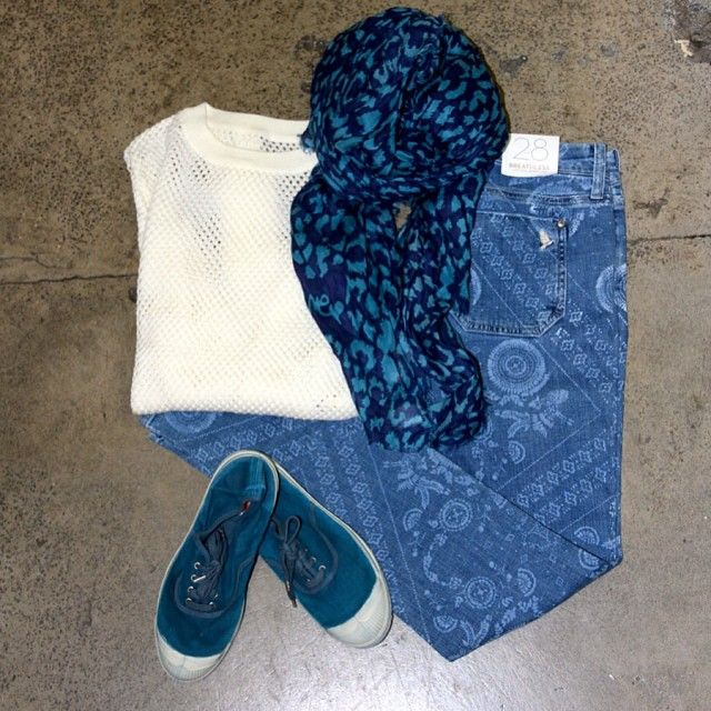 Banjo and Matilda mesh jumper, DVF scarf, Bensimon shoes and MiH patterned jeans. Weekend comfort at its best...