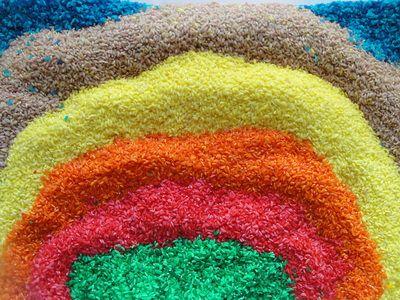 Το ρύζι είναι ένα υπέροχο υλικό για αισθητηριακό παιχνίδι. Επίσης μπορείτε να το χρησιμοποιήσετε σε...