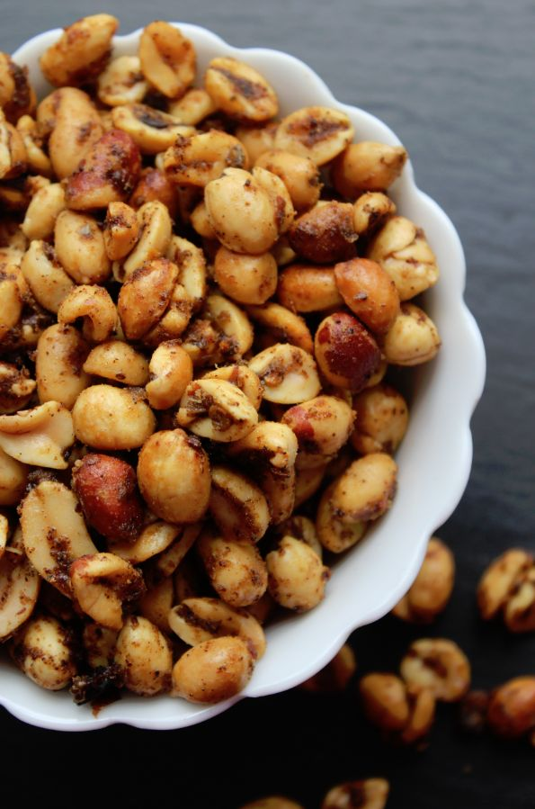 Spicy Crock Pot Chili Nuts, great for snacking! {TammileeTips}