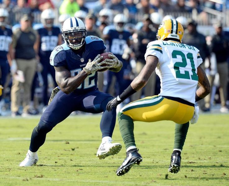 Packers vs. Titans:  47-25, Titans  -  November 13, 2016  -      Tennessee Titans tight end Delanie Walker (82) tries to get past Green Bay Packers free safety Ha Ha Clinton-Dix (21) in the first half of an NFL football game Sunday, Nov. 13, 2016, in Nashville, Tenn.