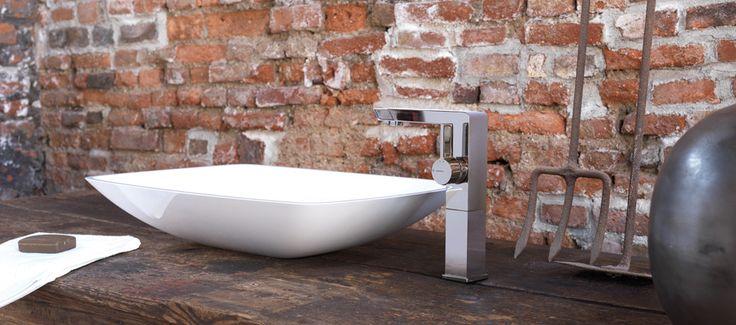 Nella linea di #rubinetti #Libera di #Newform lo spazio si evolve con un gioco che insegue la purezza. Le geometrie si fanno essenziali ed allo stesso tempo ricercate, regalando al tuo #bagno atmosfere contemporanee. www.gasparinionline.it - #design #bathroom #italiandesign #interiors #ideebagno #rubinetteria #homestyle
