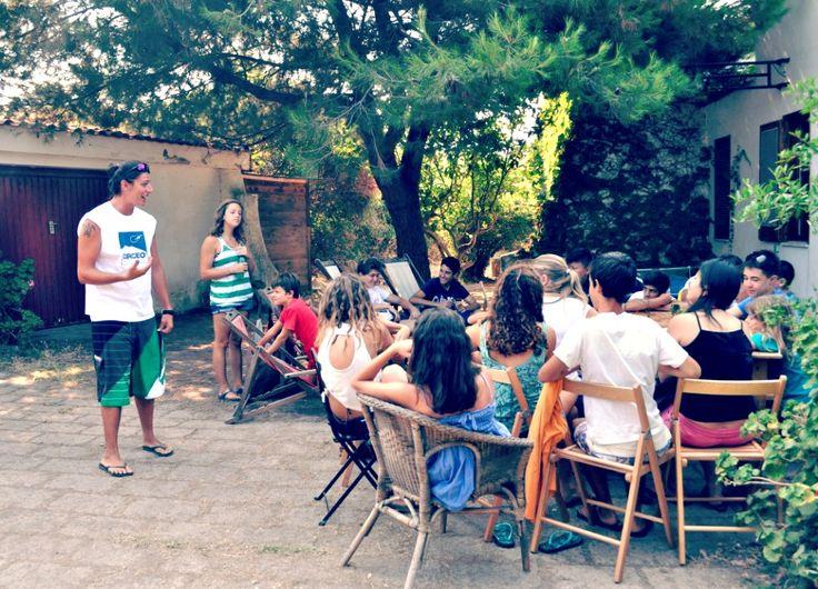 Giochi in Foresteria #2. 'Capitan' Fabio spiega le regole dei #giochi...