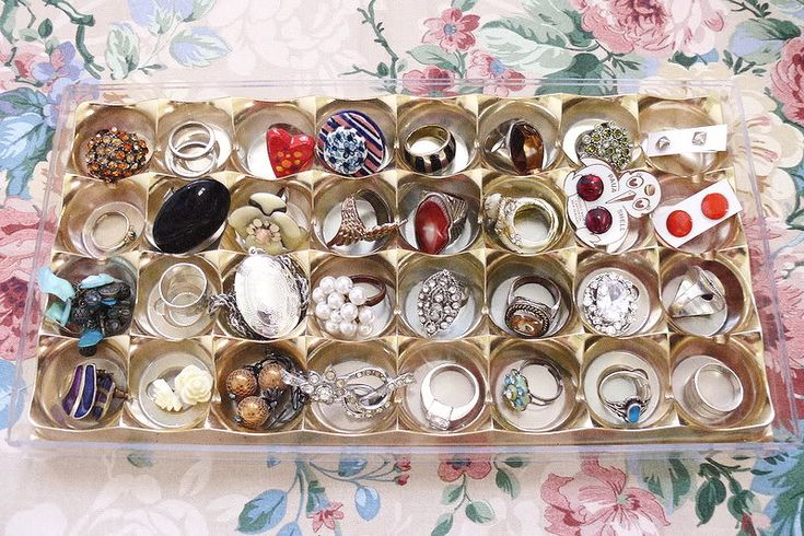 DIY ring tray from Ferrero Rocher tray -cool. we have several of this too. for pendants, earrings as well too.