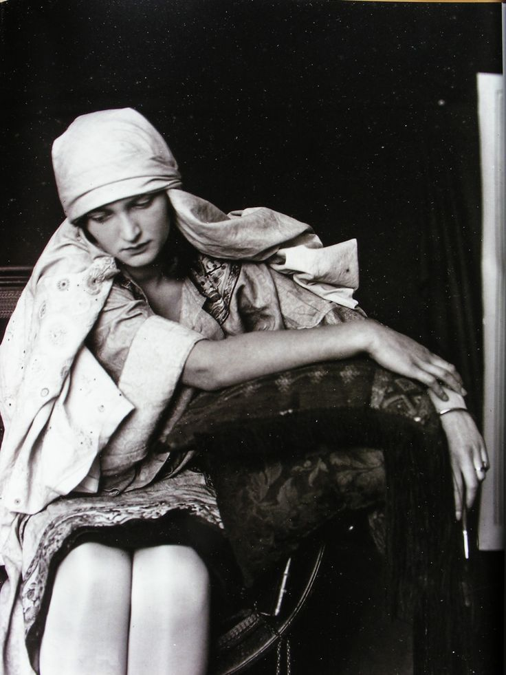 Alphonse Mucha - Studio photography