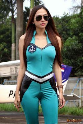 Kumpulan Foto Seksi Aura Kasih Payudara Besar [Spesial Edition] By @SeksiHot http://fotocewekseksihot.blogspot.com/