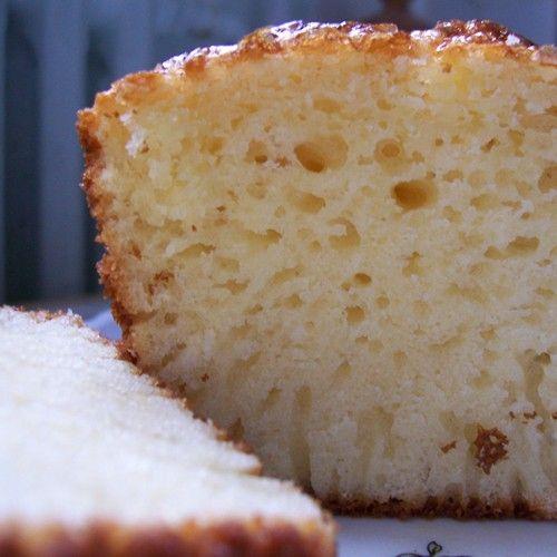 Maak een heerlijke ambachtelijk cake met vanillesmaak. Deze verrukkelijke cake kun je gemakkelijk maken met de FunCakes mix voor cupcakes.