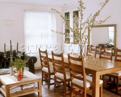 An Open Plan Modern Country Style Sitting Room And Dining Room With A Large  Wooden Table. Modernen LandhausstilHolztischeWohnzimmerOffene