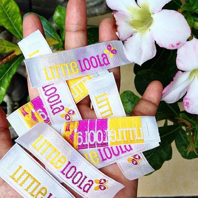 Satin woven  #labeltas #labelbaju #labelkaos #labelcloth #labelrajut #labelsatin #labelwoven #labeltenun #labeldistro #labelclothing #labelkerudung #wovenlabel #wovenrajut #satinlabel #satin #merkbaju
