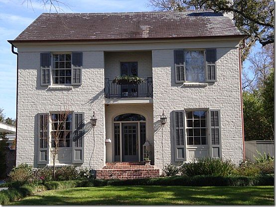 Amazing 1000 Ideas About Painted Brick Houses On Pinterest Brick House Largest Home Design Picture Inspirations Pitcheantrous
