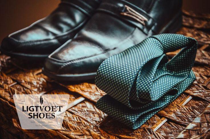 Heeft papa dit jaar weer een mooie stropdas gehad? Dan is het nu misschien wel tijd voor bijpassende nette schoenen! Bij Ligtvoet Shoes hebben we een uitgebreide collectie herenschoenen. Check de website en reserveer jouw favoriet.